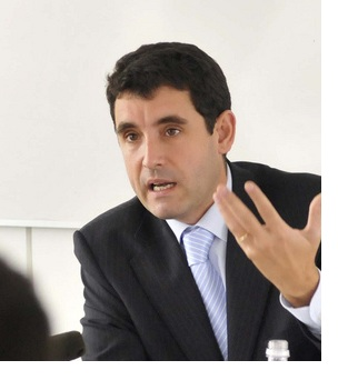 Ramón Ragués, catedràtic de Dret Penal de la pròpia Pompeu Fabra i director del Màster en Advocacia.