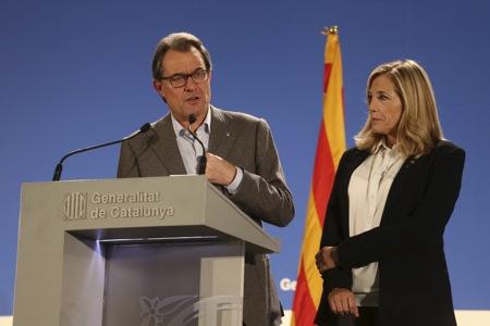 Joana Ortega i Artur Mas després de la votació del 9N