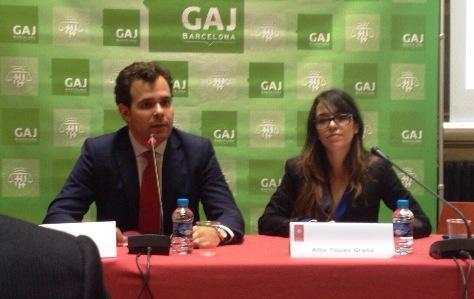 Esteve Grima (President) y Alba Tàsies (Vocal) del Grupo de Abogados Jóvenes de Barcelona.
