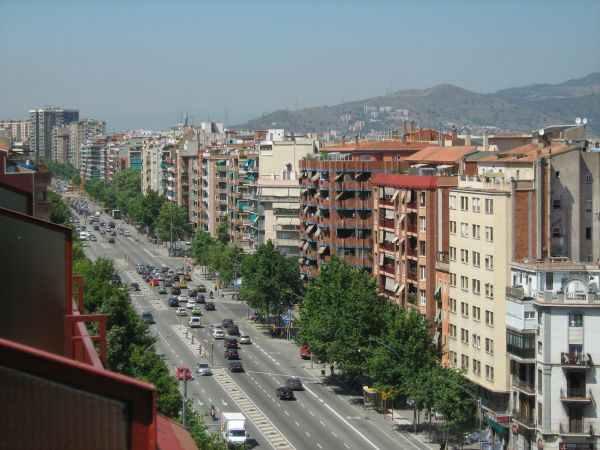 Avenida Meridiana en Barcelona / Fuente: panoramio.com