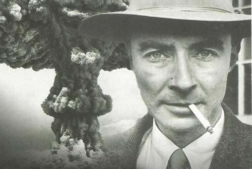 Robert Oppenheimer, director del Proyecto Manhattan y responsable de la creación de las primeras armas nucleares durante la Segunda Guerra Mundial.