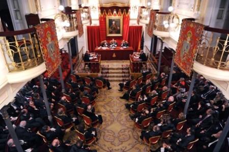 José Conesa, presidente del Colegio de Graduados Sociales de Barcelona, recibe la Cruz de San Raimundo