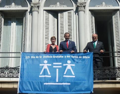 Dia Justicia Gratuita CGAE Izado Bandera