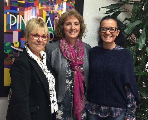 De izquierda a derecha: Carme Aragonès, Mercè Claramunt y Pilar Fernández.