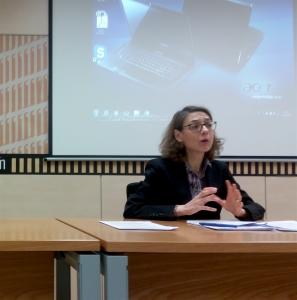 La Magistrada Berta Pellicer Ortiz durante su ponencia | El Jurista