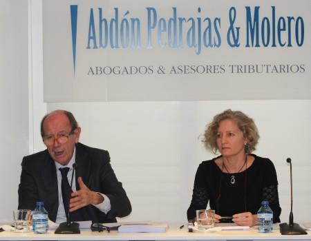 Sonia Cortés, socia del Área Laboral del Despacho y Tomás Sala, director de Formación de Abdón Pedrajas & Molero.