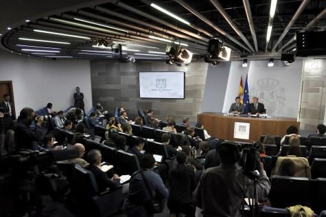 Fuente: Consejo de Ministros. El ministro de Educación, Cultura y Deporte y portavoz del Gobierno, Íñigo Méndez de Vigo, y el ministro de Justicia, Rafael Catalá, durante la rueda de prensa posterior al Consejo de Ministros.