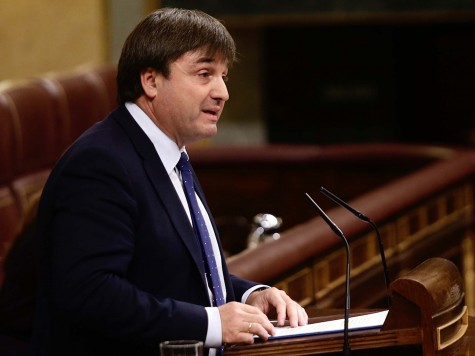 Avelino de Barrionuevo, del Grupo Popular, defiende la Proposición de Ley de reforma del régimen jurídico de los animales.