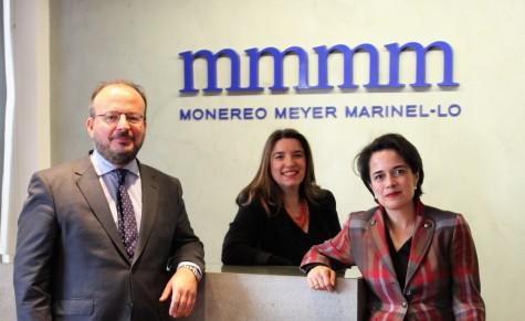 De izda. a dcha.: César García de Quevedo, Mónica Regaño y Clara Fernández.