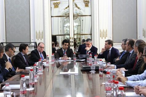 El diputado Juan Ospina interviene en la reunión del ICAM con el Ministerio de Justicia
