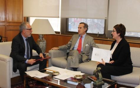 José María Alonso y Begoña Castro se reúnen con Antonio Viejo en la sede de los Juzgados de Plaza de Castilla