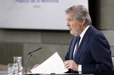 El ministro de Educación, Cultura y Deporte y portavoz del Gobierno, Íñigo Méndez de Vigo, al inicio de la rueda de prensa posterior al Consejo de Ministros.