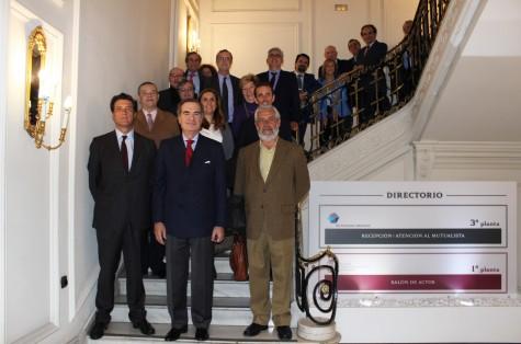 José María Alonso junto a los decanos y presidentes de los Colegios miembros de la UICM