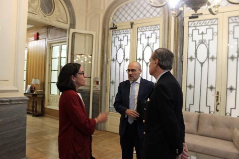 3. José María Alonso recibe en el ICAM a los abogados de la AVT Carmen Ladrón de Guevara y Antonio Guerrero