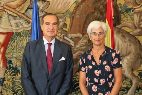1. José María Alonso y María José Segarra se han reunido hoy en la sede de la Fiscalía