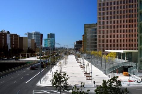 800px-Ciutat_de_la_Justicia_i_Gran_Via_de_les_Corts_Catalanes