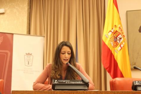 Paloma Díaz Lorente, vicepresidenta de AJA Madrid, lee las conclusiones de la VI Cumbre de Mujeres Juristas