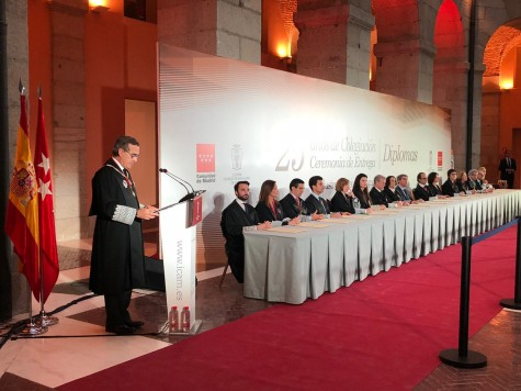 El decano José María Alonso interviene en la ceremonia de enrega de diplomas a los abogados con 25 años de colegiación en el ICAM