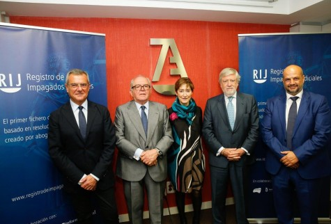 Rafael Bonmati, Eduardo Serra, Victoria Ortega, Juan María Sainz y Enrique Zarza izqda a dcha