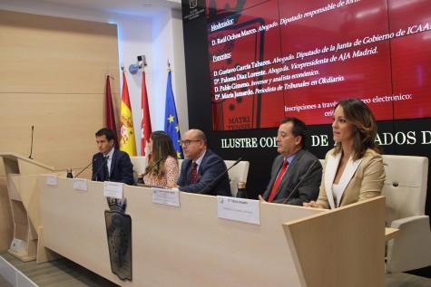 2. Pablo Gimeno, Paloma Díaz Lorente,  Raúl Ochoa Gustavo García Tabares y María Jamardo participan en Aula de Debate del ICAM