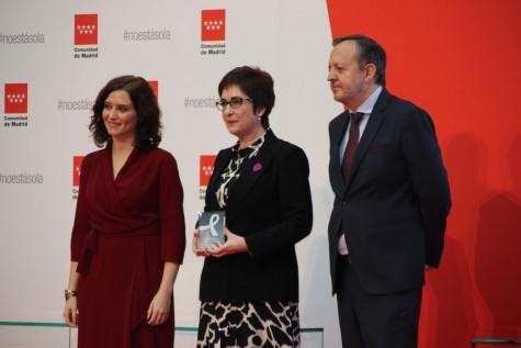 La vicedecana del ICAM, Begoña Castro, ha recogido hoy el reconocimiento de la Comunidad de Madrid por la labor de los profesionales del Turno de Oficio especializado en violencia de género